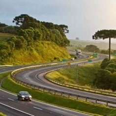 http://www.riovipcar.com.br/imagens/uploads/imgs/servicos/servicosfotos/236x236/rodovia_pr_151_.jpg